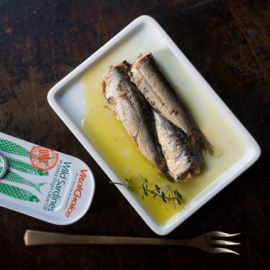 Canned Portuguese Sardines in Olive Oil w/red chili pepper 4.4oz 6pk